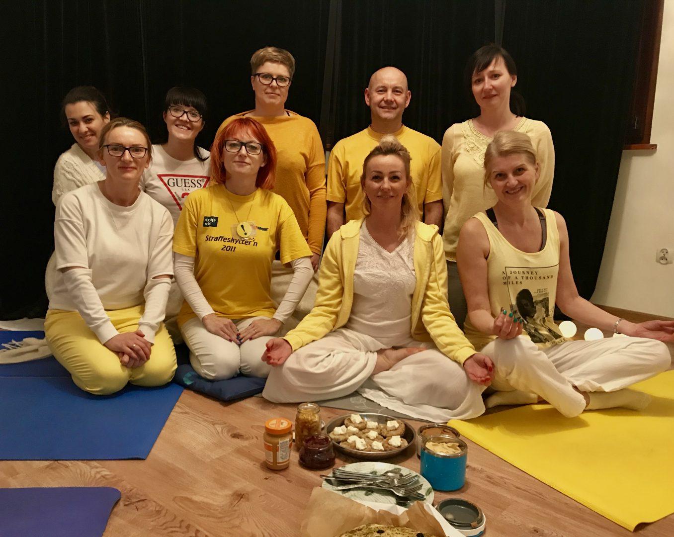 Sivananda Yoga (grupa łączona: pocz+zaaw)